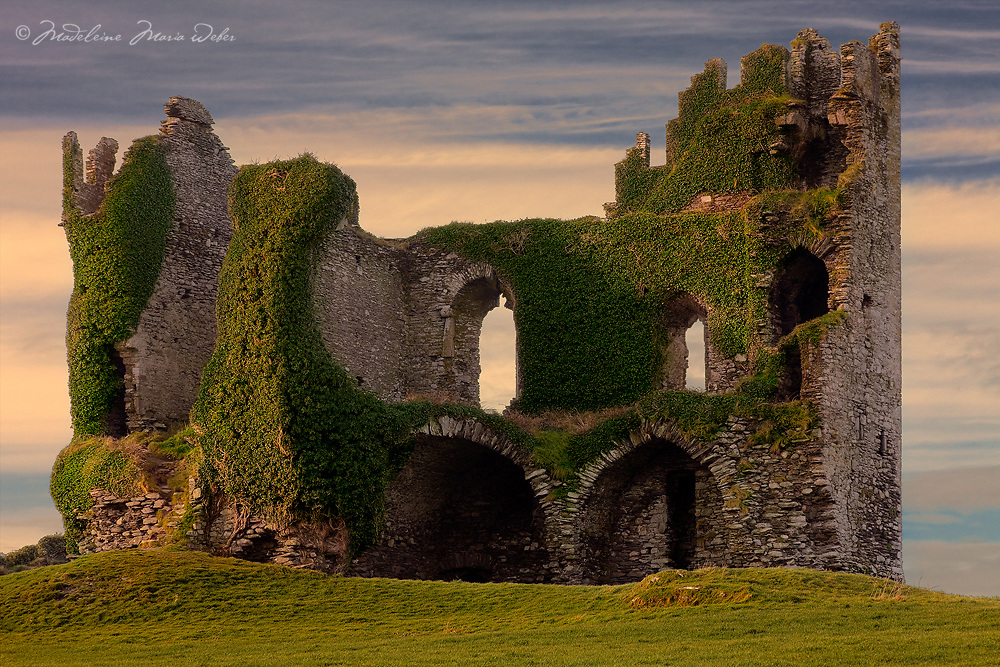 Sunset at Ballycarbery Castle Cahersiveen, County Kerry, Ireland / ch209
