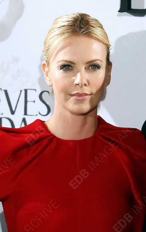 17.MAY.2012. MADRID<br /> <br /> CHARLIZE THERON ATTENDS THE SNOW WHITE AND HUNTSMAN PHOTOCALL AT CASA DE AMERICA IN MADRID.<br /> <br /> BYLINE: EDBIMAGEARCHIVE.CO.UK<br /> <br /> *THIS IMAGE IS STRICTLY FOR UK NEWSPAPERS AND MAGAZINES ONLY*<br /> *FOR WORLD WIDE SALES AND WEB USE PLEASE CONTACT EDBIMAGEARCHIVE - 0208 954 5968*