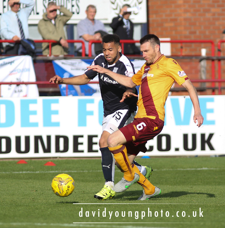 Dundee&rsquo;s Kane Hemmings and Motherwell&rsquo;s Stephen McManus - Dundee v Motherwell - Ladbrokes Premiership at Dens Park<br /> <br /> <br />  - &copy; David Young - www.davidyoungphoto.co.uk - email: davidyoungphoto@gmail.com