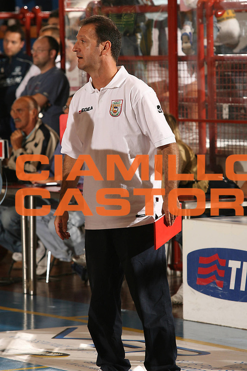 DESCRIZIONE : Porto San Giorgio Lega A1 2007-08 Amichevole Premiata Montegranaro Prima Veroli<br /> GIOCATORE : Franco Gramenzi<br /> SQUADRA : Prima Veroli<br /> EVENTO : Campionato Lega A1 2007-2008<br /> GARA : Premiata Montegranaro Prima Veroli<br /> DATA : 05/09/2007<br /> CATEGORIA : Ritratto<br /> SPORT : Pallacanestro<br /> AUTORE : Agenzia Ciamillo-Castoria/M.Marchi