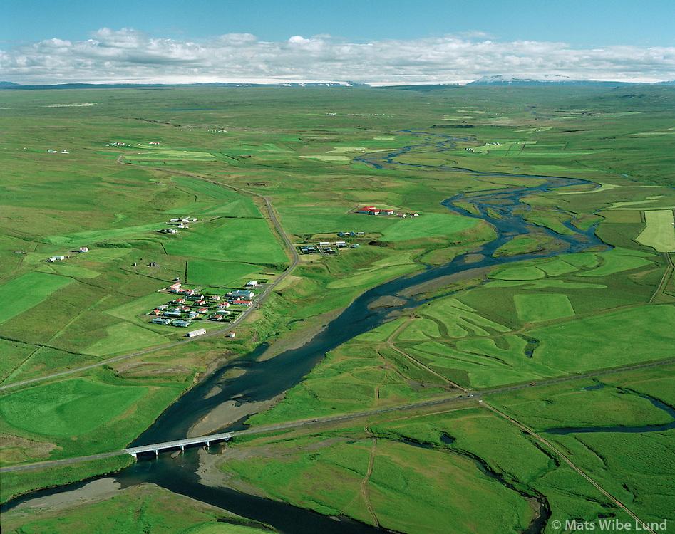 Laugarbakki, Ytri-Reykir og Syðri-Reykir vinstra megin við vegin sunnan við þéttbýlið, Miðfjarðará,  Ytri-Torfustaðahreppur séð til súðurs /.Laugarbakki, Ytri-Reykir and Sydri-Reykir on the left side of the road leading south from the village. Midfjardara river. Ytri-Torfustadahreppur viewing south.