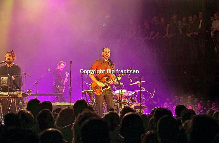 Nederland, the netherlands, Nijmegen, 19-11-2017 Vandaag was het laatste live optrden in de concertreeks die De Staat geeft op het Vasim terrein. Het optreden vindt plaats in een grote tent van de Markies, en het podium is rond en kan draaien. De lichtshow en techniek zijn van grensverleggend niveau. Foto: Flip Franssen