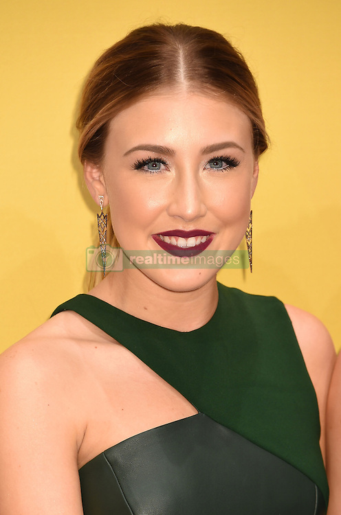 Maddie Marlow of Maddie &amp; Tae bei den 50. Country Music Awards in Nashville / 021116<br /> <br /> *** Country Music Awards 2016, Nashville, USA, November 2, 2016 ***