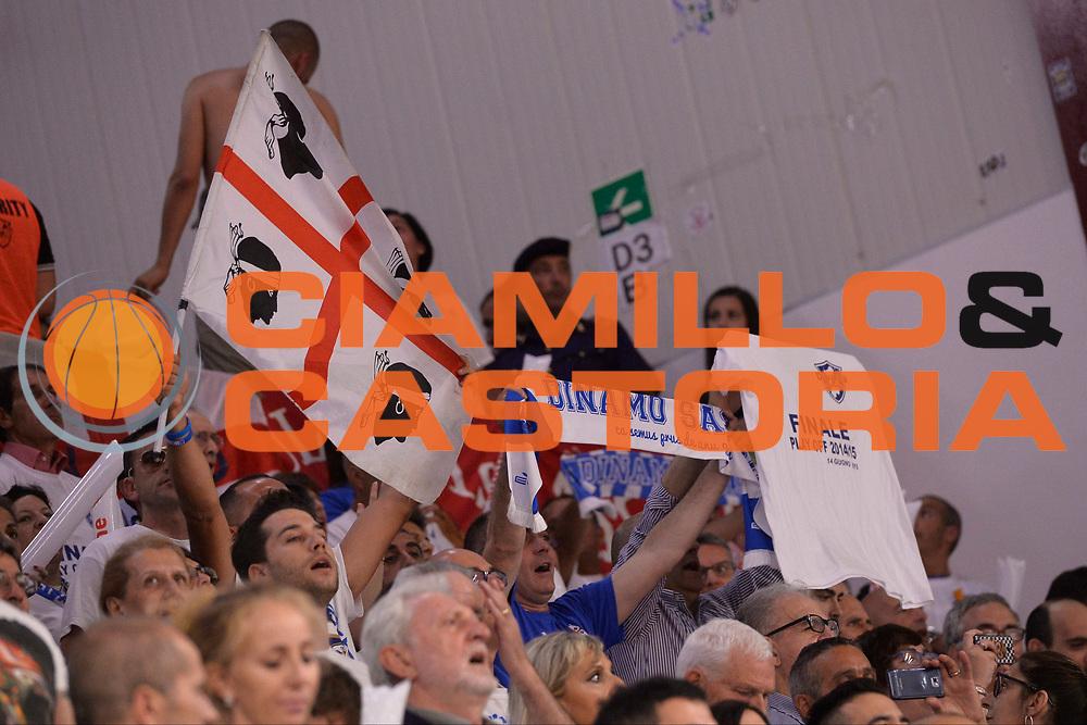 DESCRIZIONE : Sassari Lega A 2014-15 Dinamo Banco di Sardegna Sassari - Grissin Bon Reggio Emilia  Finale playoff  gara 4<br /> GIOCATORE :Tifosi Banco di Sardegna Sassari<br /> CATEGORIA :  Low tifosi<br /> SQUADRA : Banco di Sardegna Sassari<br /> EVENTO : LegaBasket Serie A Beko 2014/2015<br /> GARA : Dinamo Banco di Sardegna Sassari - Grissin Bon Reggio Emilia Finale playoff gara 4<br /> DATA : 20/06/2015 <br /> SPORT : Pallacanestro <br /> AUTORE : Agenzia Ciamillo-Castoria /Richard Morgano<br /> Galleria : Lega Basket A 2014-2015 Fotonotizia : Sassari Lega A 2014-15 Dinamo Banco di Sardegna Sassari - Grissin Bon Reggio Emilia playoff Semifinale gara 4<br /> Predefinita :