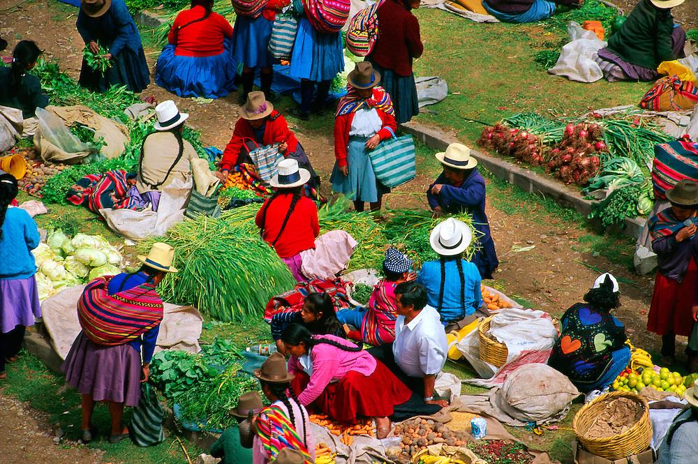 Sunday Indian Market, Chinchero (Sacred Valley of the Incas), Peru