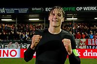 Wout Weghorst of AZ Alkmaar celebrate the victory