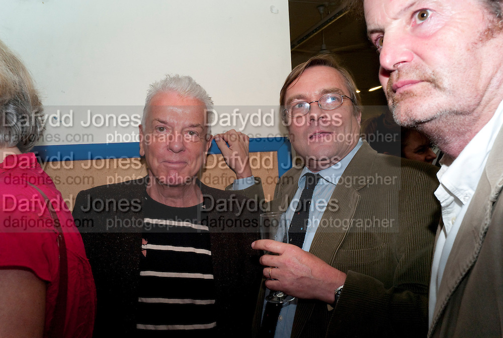 NICKY HASLAM; IVO DAWNAY, Rachel's Johnson's 'A Diary of the Lady'book launch at The Lady's offices. Covent Garden. London. 30 September 2010. -DO NOT ARCHIVE-© Copyright Photograph by Dafydd Jones. 248 Clapham Rd. London SW9 0PZ. Tel 0207 820 0771. www.dafjones.com.