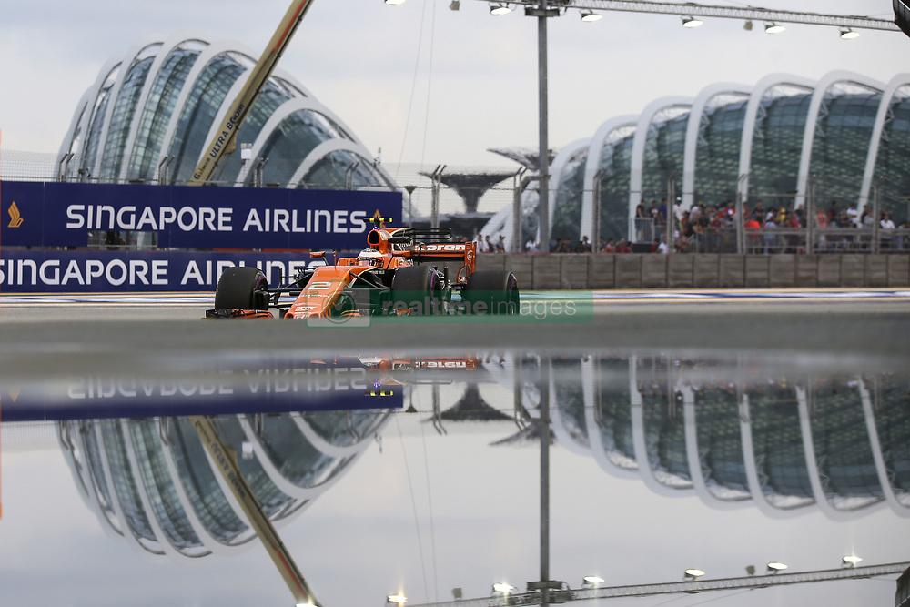 September 15, 2017 - Singapore, Singapore - Motorsports: FIA Formula One World Championship 2017, Grand Prix of Singapore, ..#2 Stoffel Vandoorne (BEL, McLaren Honda) (Credit Image: © Hoch Zwei via ZUMA Wire)