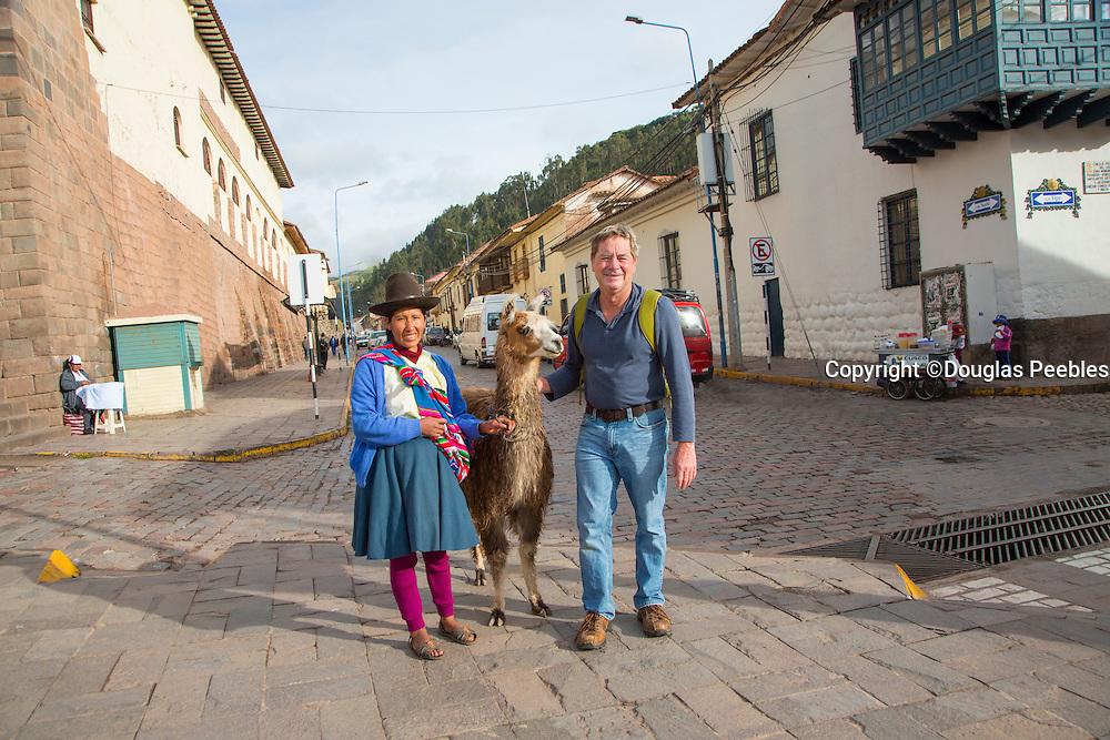 Quechua women, traditiona dress, Cusco, Urubamba Province, Peru, inca, Incan
