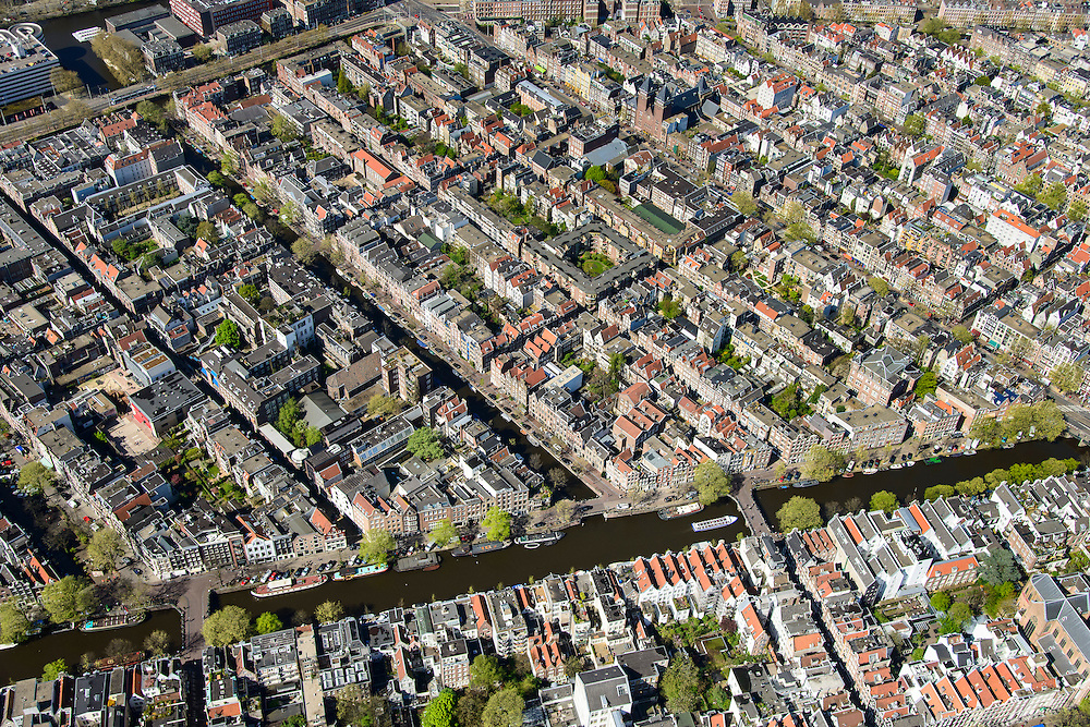 Nederland, Noord-Holland, Amsterdam, 09-04-2014;<br /> Binnenstad, De Jordaan met Prinsengracht en Lauriergracht (midden. Marnixstraat linksboven. Linksonder de Elandsstraat.<br /> Center and ring of canals of Amsterdam. Residential district Jordaan.<br /> luchtfoto (toeslag op standard tarieven);<br /> aerial photo (additional fee required);<br /> copyright foto/photo Siebe Swart