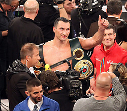 26.04.2015, Madison Square Garden, New York, USA, WBA, Wladimir Klitschko vs Bryant Jennings, im Bild alter und neuer Weltmeister im Boxen Schwergewicht Wladimir Klitschko im Interview mit Kai Ebel (RTL) // during IBF, WBO and WBA world heavyweight title boxing fight between Wladimir Klitschko of Ukraine and Bryant Jennings of the USA at the Madison Square Garden in New York, United Staates on 2015/04/26. EXPA Pictures © 2015, PhotoCredit: EXPA/ Eibner-Pressefoto/ Kolbert<br /> <br /> *****ATTENTION - OUT of GER*****
