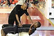 DESCRIZIONE : Roma Lega Basket A 2012-13  Raduno Virtus Roma<br /> GIOCATORE : Jordan Taylor<br /> CATEGORIA : curiosita fair play<br /> SQUADRA : Virtus Roma <br /> EVENTO : Campionato Lega A 2012-2013 <br /> GARA :  Raduno Virtus Roma<br /> DATA : 23/08/2012<br /> SPORT : Pallacanestro  <br /> AUTORE : Agenzia Ciamillo-Castoria/M.Simoni<br /> Galleria : Lega Basket A 2012-2013  <br /> Fotonotizia : Roma Lega Basket A 2012-13  Raduno Virtus Roma<br /> Predefinita :
