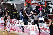 DESCRIZIONE : Varese FIBA Eurocup 2015-16 Openjobmetis Varese Telenet Ostevia Ostende<br /> GIOCATORE : Quentin Serron<br /> CATEGORIA : Tiro<br /> SQUADRA : Telenet Ostevia Ostende<br /> EVENTO : FIBA Eurocup 2015-16<br /> GARA : Openjobmetis Varese - Telenet Ostevia Ostende<br /> DATA : 28/10/2015<br /> SPORT : Pallacanestro<br /> AUTORE : Agenzia Ciamillo-Castoria/M.Ozbot<br /> Galleria : FIBA Eurocup 2015-16 <br /> Fotonotizia: Varese FIBA Eurocup 2015-16 Openjobmetis Varese - Telenet Ostevia Ostende