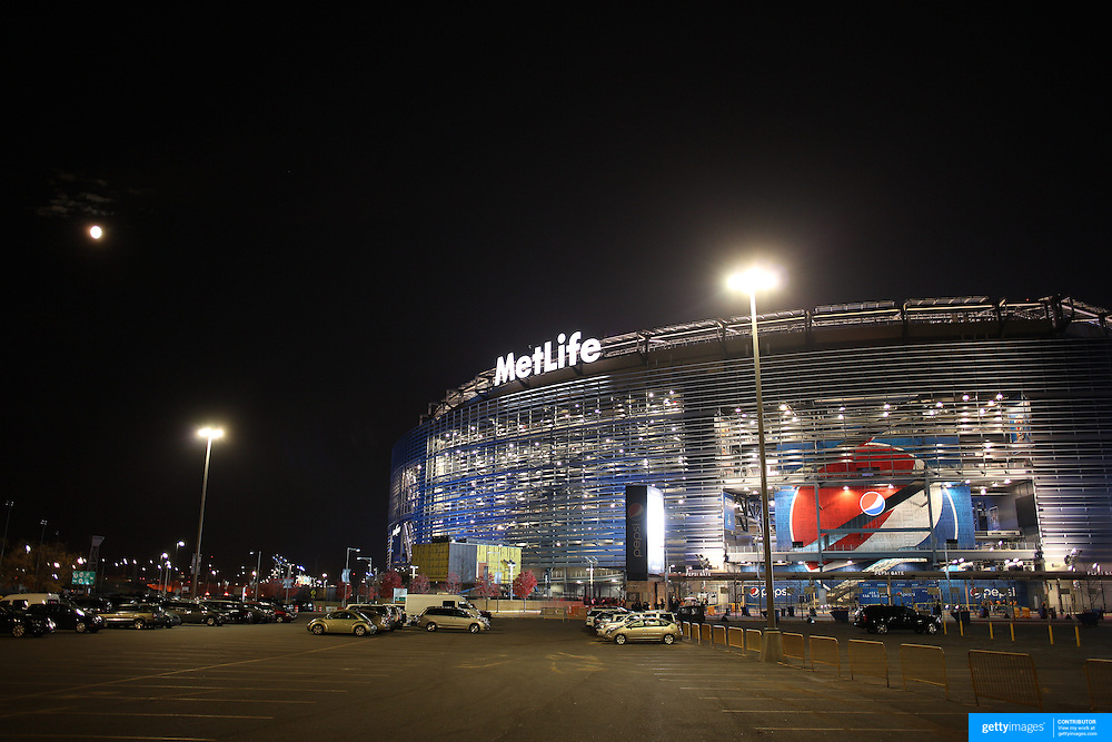 A general view of MetLife Stadium at the Meadowlands Sports Complex in East Rutherford, New Jersey. The 82,566 capacity stadium is home to the New York Jets and New York Giants and the 2014 host of Super Bowl XLVIII.  East Rutherford, New Jersey. USA. 15th November 2013. Photo Tim Clayton
