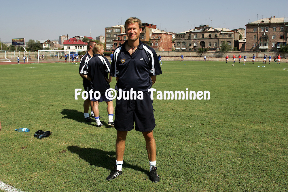 08.09.2004, Nairi Stadium, Erevan, Armenia..UEFA Under-21 European Championship qualifying match, Armenia v Finland..Coach Markku Kanerva - Finland U-21.©Juha Tamminen.....ARK:k