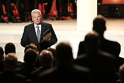 03.10.2015, Frankfurt am Main, GER, Tag der Deutschen Einheit, im Bild Bundespraesident, Bundespräsident Joachim Gauck nach der Rede in der Alten Oper Frankfurt mit Standing Ovations bedacht // during the celebrations of the 25 th anniversary of German Unity Day in Frankfurt am Main, Germany on 2015/10/03. EXPA Pictures © 2015, PhotoCredit: EXPA/ Eibner-Pressefoto/ Roskaritz<br /> <br /> *****ATTENTION - OUT of GER*****
