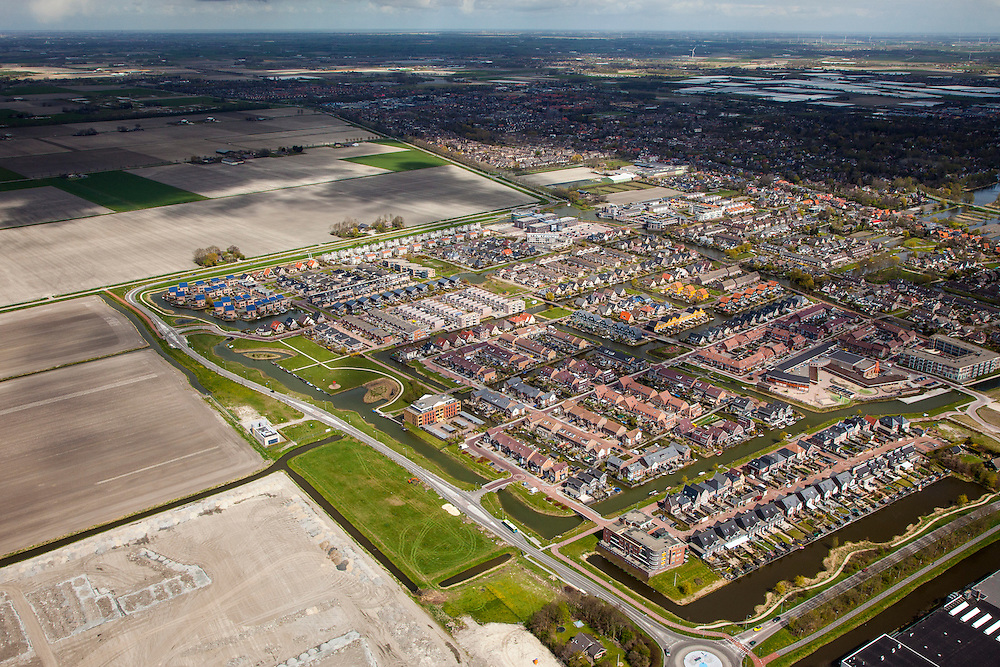 Nederland, Noord-Holland, Gemeente Langedijk, 16-04-2012; Zuiderdel, uitbreiding van Broek op Langedijk, nieuwbouw in de Geestmerpolder..New constructed residential area in Langedijk (NW Netherlands) ..luchtfoto (toeslag), aerial photo (additional fee required);.copyright foto/photo Siebe Swart