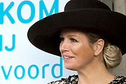 Koningin Maxima bezoekt de zorginstelling Avoord Zorg en Wonen in Etten-Leur. Zij deed dit in het kader van de Nationale Week van Zorg en Welzijn. /////  Queen Maxima visits the health care Avoord Care and Living in Etten-Leur. They did this in the context of the National Week of Health and Welfare.<br /> <br /> Op de foto/ On the photo:  Aankomst Koningin Maxima / Arrival Queen Maxima