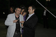 JAKE MILLER AND GREGOR MUIR, The Summer Party sponsored by Yves St. Laurent. Serpentine Gallery. 11 July 2006. . ONE TIME USE ONLY - DO NOT ARCHIVE  © Copyright Photograph by Dafydd Jones 66 Stockwell Park Rd. London SW9 0DA Tel 020 7733 0108 www.dafjones.com