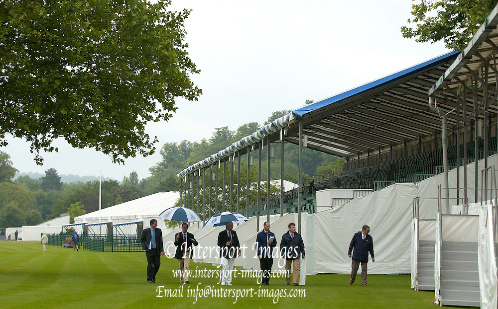 Henley Royal Regatta. Henley-on-Thames, ENGLAND, Regatta Chairmans inspection, Chairman Mike SWEENEY, Secretary Richard GODDARD and Daniel GRIST, [Secretary Richard GODDARDS last Regatta] 26.06.2006.  Photo  Peter Spurrier/Intersport Images.email images@intersport-images.com... Henley Royal Regatta, Rowing Courses, Henley Reach, Henley, ENGLAND [Mandatory credit; Peter Spurrier/Intersport Images] 2006 . HRR.