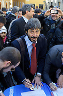 Roma 16 Marzo2013.Montecitorio, secondo giorno della  XVII legislatura..Roberto Fico del M5S firma per l'ICE (Iniziativa dei Cittadini Europei) per l'acqua pubblica.