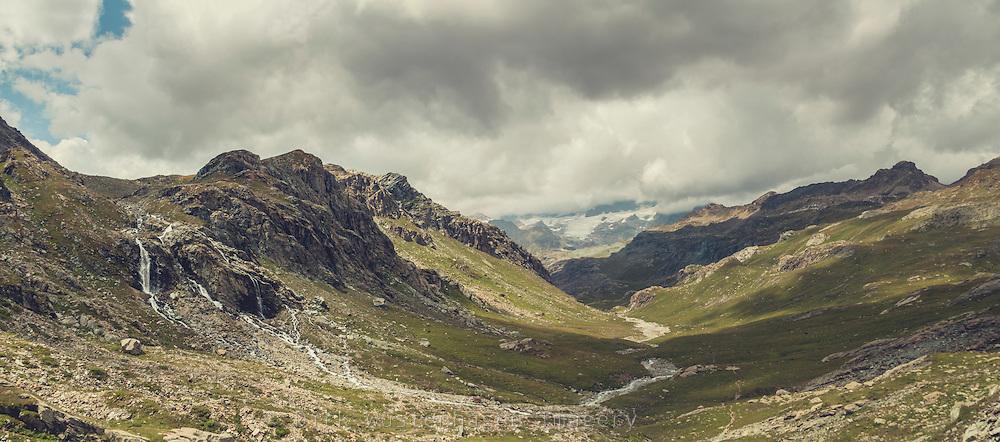 Alpines Hochtal bei Lanzada, Lombardei, Italien