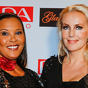 NLD/Amsterdam/20121112 - Beau Monde Awards 2012, Mandy Huydts en Ingrid Simons