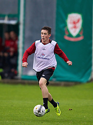 CARDIFF, WALES - Sunday, October 13, 2013: Wales' Harry Wilson during a training session at the Vale of Glamorgan ahead of the 2014 FIFA World Cup Brazil Qualifying Group A match against Belgium. (Pic by David Rawcliffe/Propaganda)