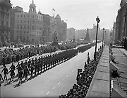 22/04/1962<br /> 04/22/1962<br /> 22 April 1962<br /> Easter Sunday Military Parade in Dublin<br /> A seemingly endless line of marching men stretches through Dublin's O'Connell Street as the Annual Easter Military Parade marches past on Easter Sunday, 1962.