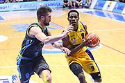 DESCRIZIONE : Cremona Lega A 2015-2016 Vanoli Cremona Manital Torino<br /> GIOCATORE :  Charlon Kloof<br /> SQUADRA : Manital Torino<br /> EVENTO : Campionato Lega A 2015-2016<br /> GARA : Vanoli Cremona Manital Torino<br /> DATA : 14/02/2016<br /> CATEGORIA : Palleggio Penetrazione<br /> SPORT : Pallacanestro<br /> AUTORE : Agenzia Ciamillo-Castoria/F.Zovadelli<br /> GALLERIA : Lega Basket A 2015-2016<br /> FOTONOTIZIA : Cremona Campionato Italiano Lega A 2015-16  Vanoli Cremona Manital Torino <br /> PREDEFINITA : <br /> F Zovadelli/Ciamillo