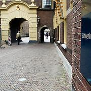 NLD/Den Haag/20100527 - Regeringsgebouw in Den Haag, ingang van het Binnenhof