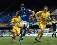 Photo: Ashley Pickering.<br />Ipswich Town v Sheffield Wednesday. Coca Cola Championship. 11/11/2006.<br />Ipswich's Alan Lee (blue) on the ball
