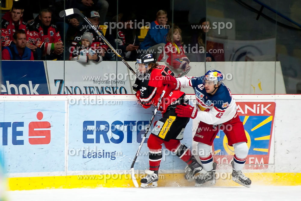 17.11.2015, Ice Rink, Znojmo, CZE, EBEL, HC Orli Znojmo vs EC Red Bull Salzburg, 21. Runde, im Bild v.l. Radek Cip (HC Orli Znojmo) Layne Viveiros (EC Red Bull Salzburg ) // during the Erste Bank Icehockey League 21th round match between HC Orli Znojmo and EC Red Bull Salzburg at the Ice Rink in Znojmo, Czech Republic on 2015/11/17. EXPA Pictures © 2015, PhotoCredit: EXPA/ Rostislav Pfeffer