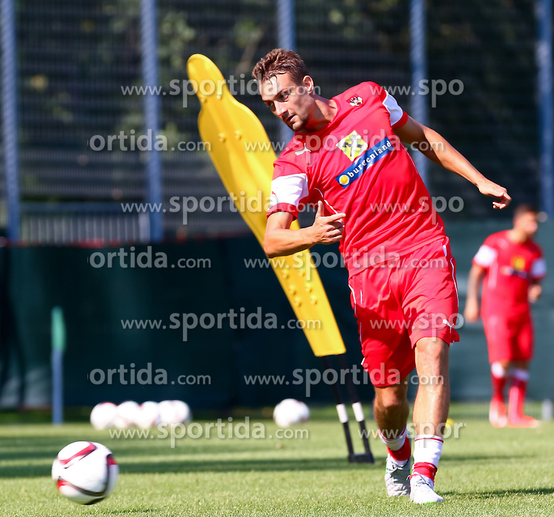 01.09.2015, Ernst Happel Stadion, Wien, AUT, UEFA Euro 2016 Qualifikation, Österreich vs Moldawien, Gruppe G, Training Österreich, im Bild Stefan Ilsanker (AUT)// during a training session of Team Austria (AUT) in front of the UEFA European Championship Qualifier Match between Austria (AUT) and Moldova (MDA) at the Ernst Happel Stadion, Vienna, Austria on 2015/09/01. EXPA Pictures © 2015, PhotoCredit: EXPA/ Sebastian Pucher