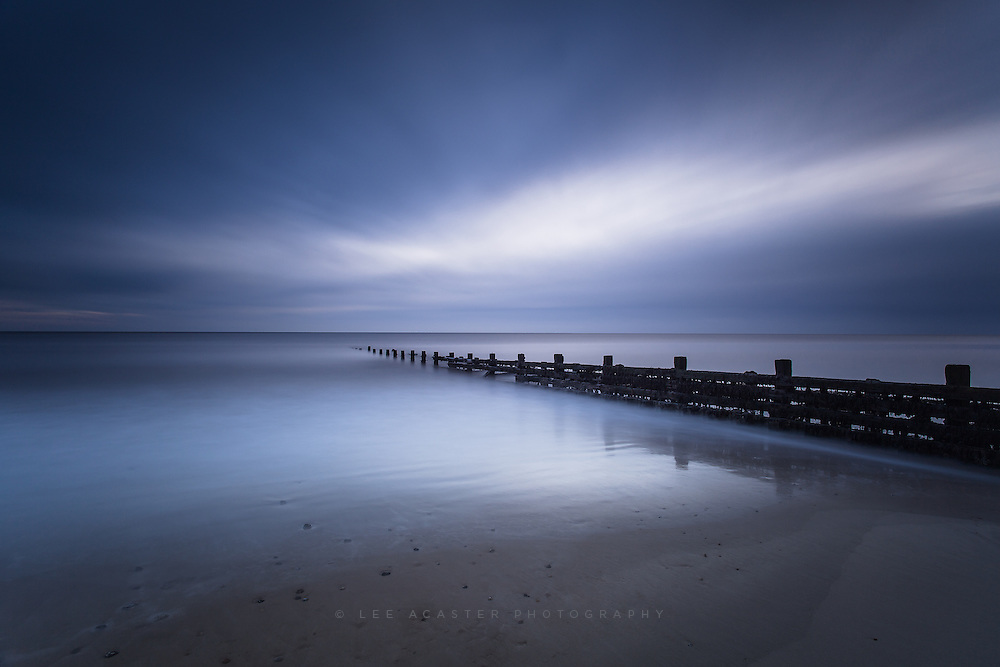 First go with the Zeiss and a big stopper from dawn at Happisburgh again. Noticebaly sharper than my 17-40 was with the Big Stopper on
