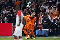 (L-R), Quincy Promes of Holland, Wesley Sneijder of Holland during the International friendly match match between The Netherlands and Peru at the Johan Cruijff Arena on September 06, 2018 in Amsterdam, The Netherlands