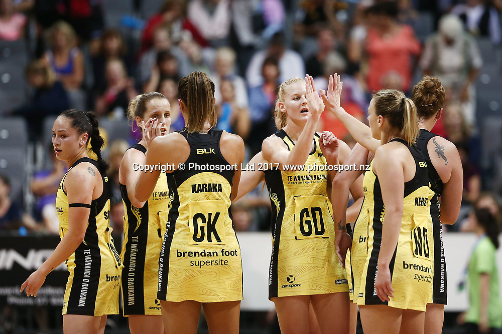 Katrina Grant of the Pulse high fives with the team. 2017 ANZ Premiership netball match, Central Pulse v Northern Mystics at Claudelands Arena, Hamilton, New Zealand. 26 March 2017 © Copyright Photo: Anthony Au-Yeung / www.photosport.nz