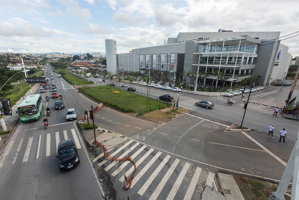 Belo Horizonte_MG, Brasil.<br /> <br /> Shopping Estacao BH, na regiao de Venda Nova, localizado no entorno da Linha Verde em Belo Horizonte, Minas Gerais.<br /> <br /> Estacao BH Mall, in the region of Venda Nova, located in the Linha Verde in Belo Horizonte, Minas Gerais.<br /> <br /> Foto: LEO RUMOND / NITRO