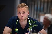HELSINGBORG , 2017-06-07: Gustav Engvall blir intervjuad efter U21 landslagets tr&auml;ning p&aring; Olympia, Helsingborg den 7 juni.<br /> Foto: Nils Petter Nilsson/Ombrello<br /> Fri anv&auml;ndning f&ouml;r kunder som k&ouml;pt U21-paketet, annars betalbild.<br /> ***BETALBILD***