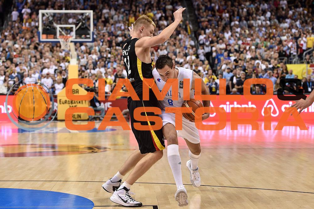 DESCRIZIONE : Berlino Berlin Eurobasket 2015 Group B Germany Germania - Italia Italy<br /> GIOCATORE : Danilo Gallinari<br /> CATEGORIA : Palleggio Penetrazione<br /> SQUADRA : Italia Italy<br /> EVENTO : Eurobasket 2015 Group B<br /> GARA : Germany Italy - Germania Italia<br /> DATA : 09/09/2015<br /> SPORT : Pallacanestro<br /> AUTORE : Agenzia Ciamillo-Castoria/GiulioCiamillo