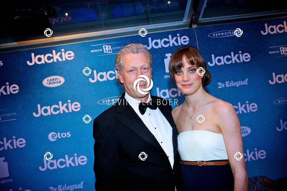 AMSTERDAM - In DeLaMar theater is de filmpremiere van Jackie.  Met op de foto Hajo Bruins en zijn partner. FOTO LEVIN DEN BOER - PERSFOTO.NU