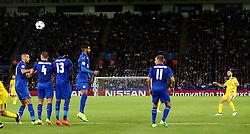 Miguel Layun of FC Porto takes a free kick - Mandatory by-line: Matt McNulty/JMP - 27/09/2016 - FOOTBALL - King Power Stadium - Leicester, England - Leicester City v FC Porto - UEFA Champions League