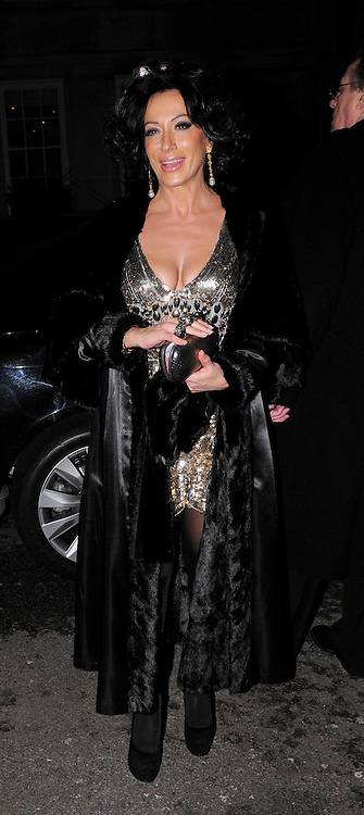 03.DECEMBER.2009 - LONDON<br /> <br /> NANCY DELL'OLIO LEAVING THE AFTERPARTY AT CLARIDGES HOTEL AFTER THE PREMIERE OF NEW FILM NINE.<br /> <br /> BYLINE: EDBIMAGEARCHIVE.COM<br /> <br /> *THIS IMAGE IS STRICTLY FOR UK NEWSPAPERS &amp; MAGAZINES ONLY*<br /> *FOR WORLDWIDE SALES &amp; WEB USE PLEASE CONTACT EDBIMAGEARCHIVE-0208 954 5968*