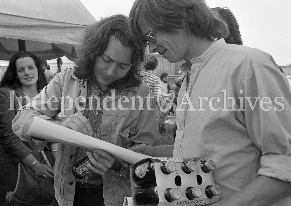 Rory Gallagher in acton at the Hot Press Music Festival at Punchestown Racecourse, Kildare, 18/07/1982 (Part of the Independent Newspapers Ireland/NLI Collection).