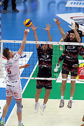 ZAYTSEV IN ATTACCO<br /> MACERATA - PERUGIA<br /> SEMIFINALE PALLAVOLO FINAL 4 COPPA ITALIA A1-M 2013-2014<br /> BOLOGNA 08-03-2014<br /> FOTO GALBIATI - RUBIN