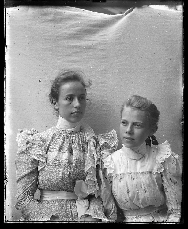 Victorian photograph of two women having their portrait taken in Fallston, maryland.