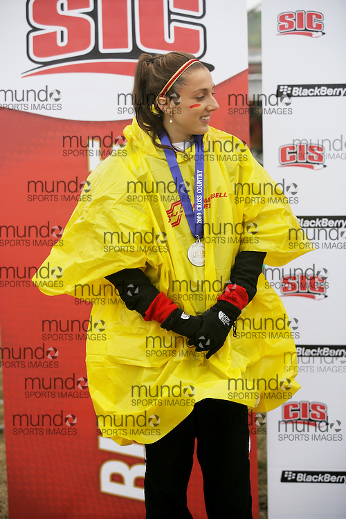 (Kingston, Ontario -- 14 Nov 2009)  Lindsay Carson of the University of Guelph with her silver medal at the 2009 Canadian Interuniversity Sport CIS Cross Country Championships at Forth Henry Hill in Kingston Ontario. Photograph copyright Sean Burges / Mundo Sport Images, 2009.