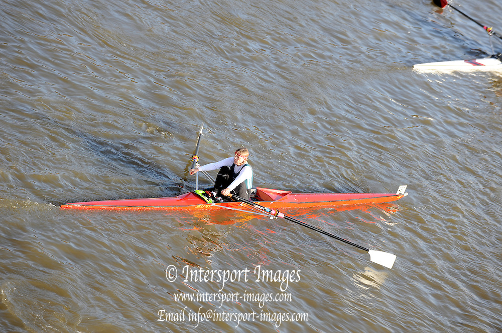 London, Great Britain,  Karon PHILLIPS, Maidenhead RC, W VetE 1X. passes under Chiswick Bridge at the start of the 2009 Scullers Head of the River Race, raced over the Championship Course, Mortlake to Putney, on the River Thames,  13:42:00, Saturday 28/11/2009,  [Mandatory Credit: ? Peter Spurrier/Intersport Images]