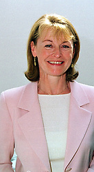 TV presenter SUE COOK at a lunch in London on<br />  8th May 2000.  ODL 4 wolo