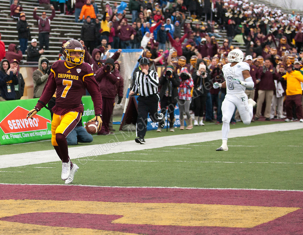 With a second half surge in the final game at Kelly/Shorts Stadium for the 2015 season, Central Michigan beat the Eastern Michigan Eagles 35-28 to improve to 7-5, (6-2 MAC) overall. Photo by Alex Jessmore/Central Michigan University